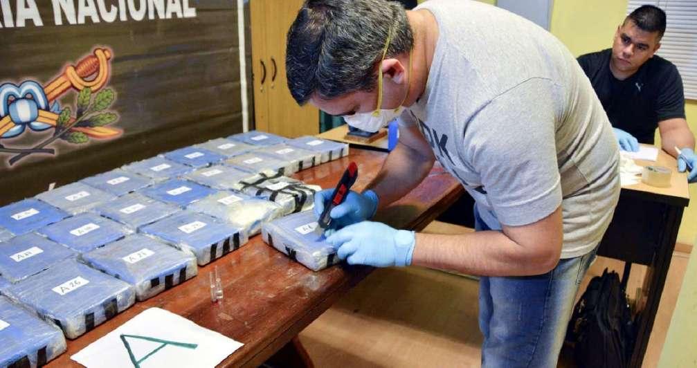 golpe-al-narcotrafico-buscan-al-lider-la-organizacion-oculto-400-kilos-cocaina-la-embajada-rusa-argentina