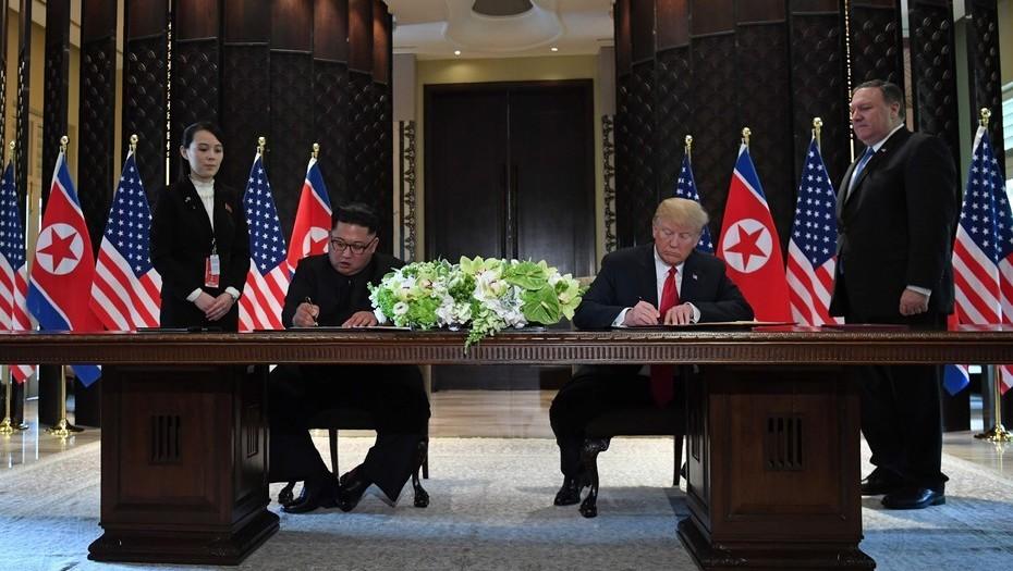 kim-jong-un-y-donald-trump-firmaron-un-documento-de-entendimiento