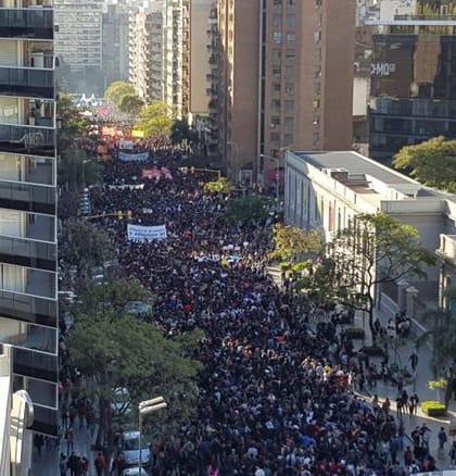 universidades-publicas-argentinas-cumplen-tres-semanas-de-paro