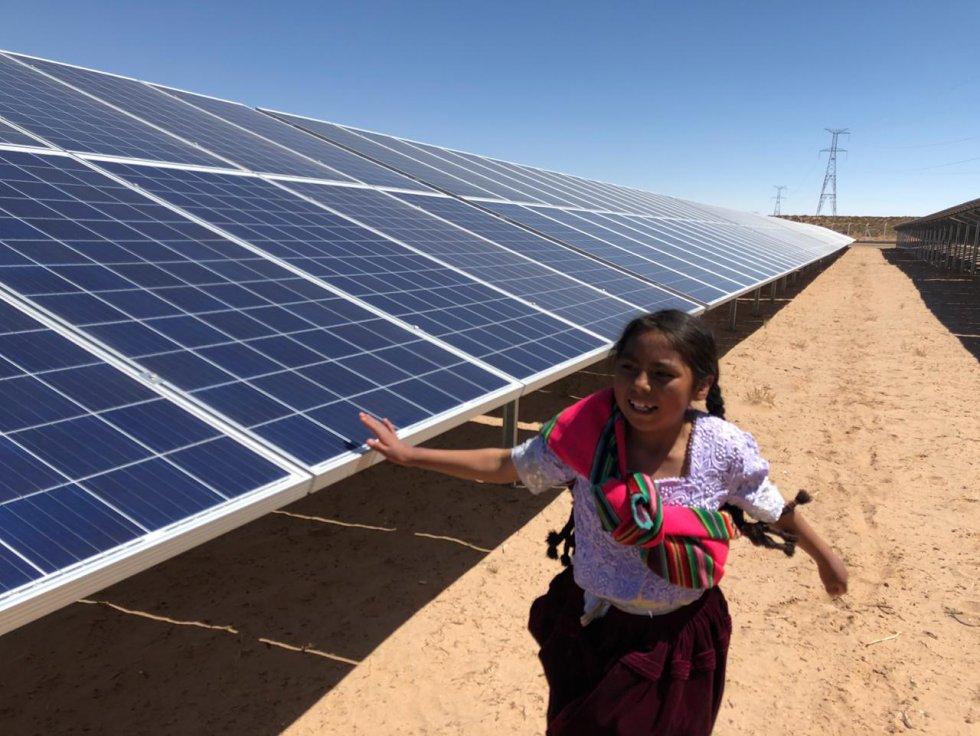 bolivia-inauguro-la-mayor-planta-de-energia-alternativa-de-su-historia