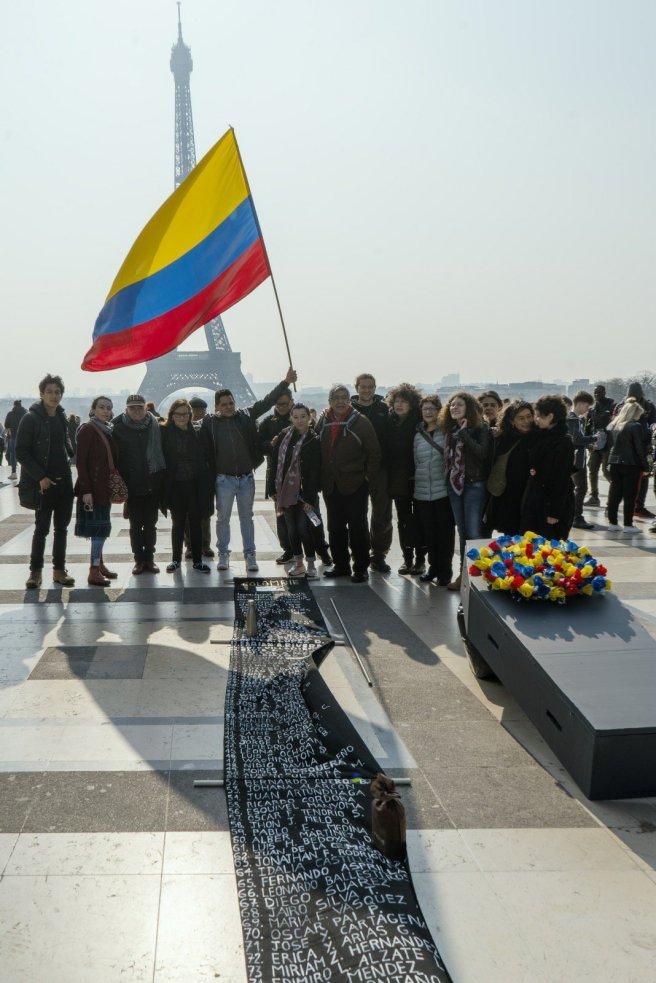 colombianos-marchan-hacia-la-haya-en-busca-de-justicia
