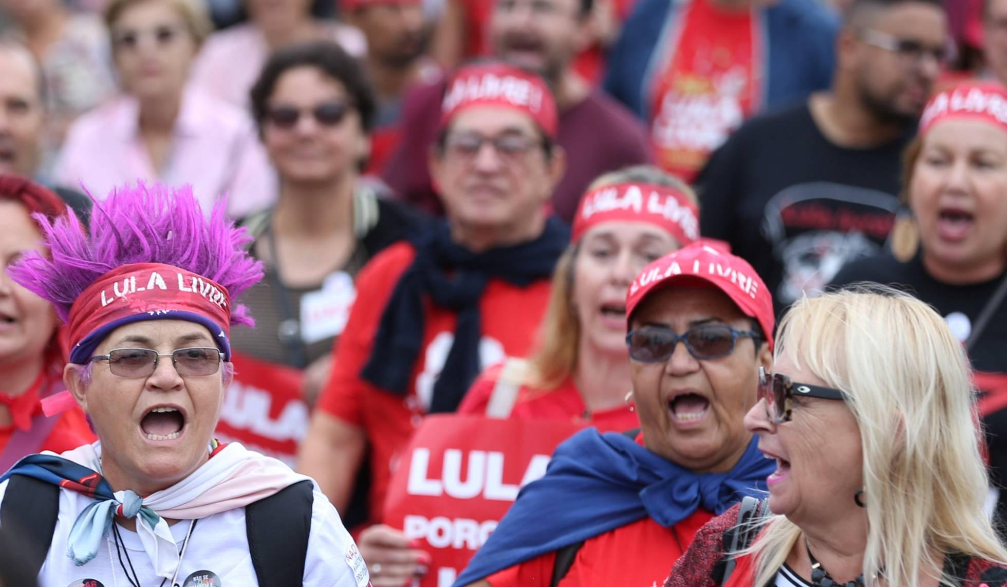 manifestaciones-de-apoyo-a-lula-al-cumplirse-un-ano-de-su-detencion